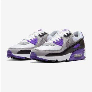 NWOT Women's Nike Air Max 90